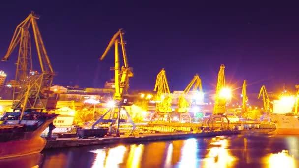 druhu na nákladní námořní přístav