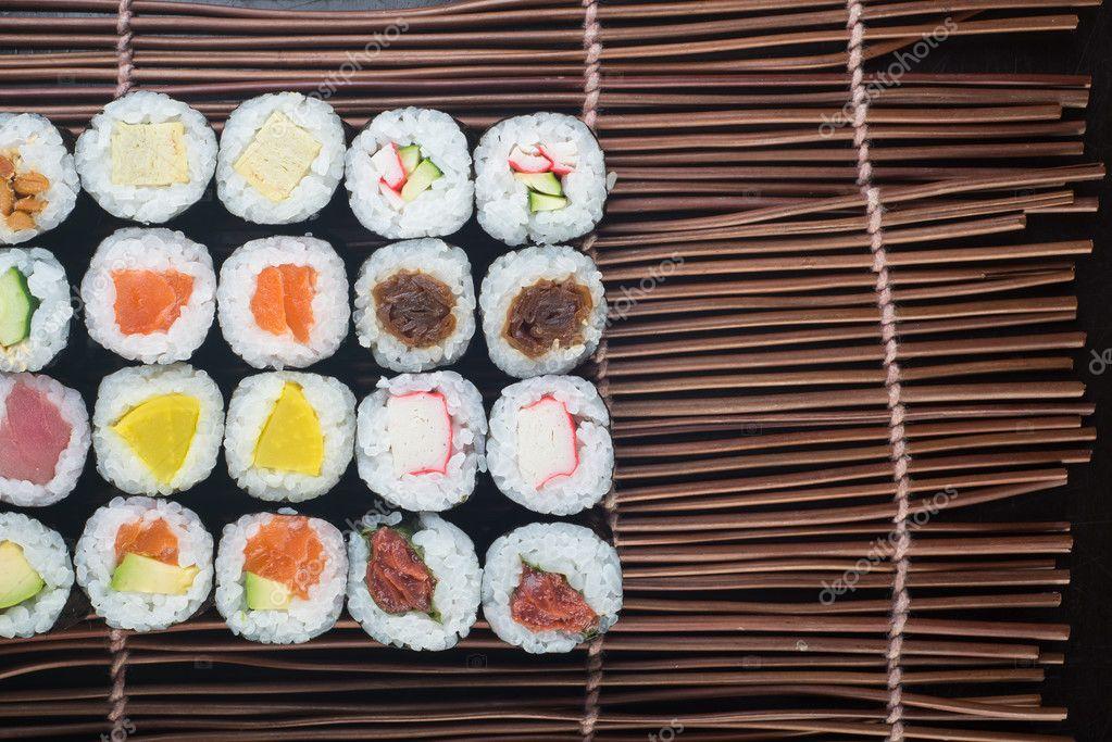 cuisine japonaise sushi sur le fond photographie heinteh 80461298. Black Bedroom Furniture Sets. Home Design Ideas