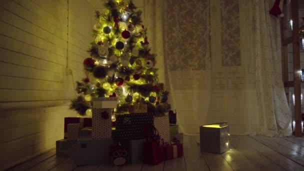 Karácsonyfa a szobában