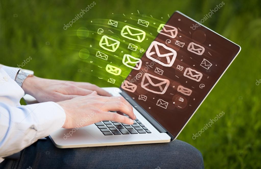 Konzept der versand von e mails stockfoto ra2studio for Versand von mobeln
