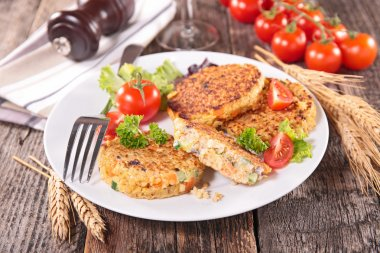 Quinoa cakes with vegetables