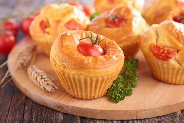 tomato pies, cupcakes