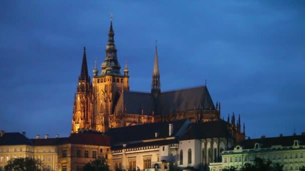 Pražský hrad detail v noční době
