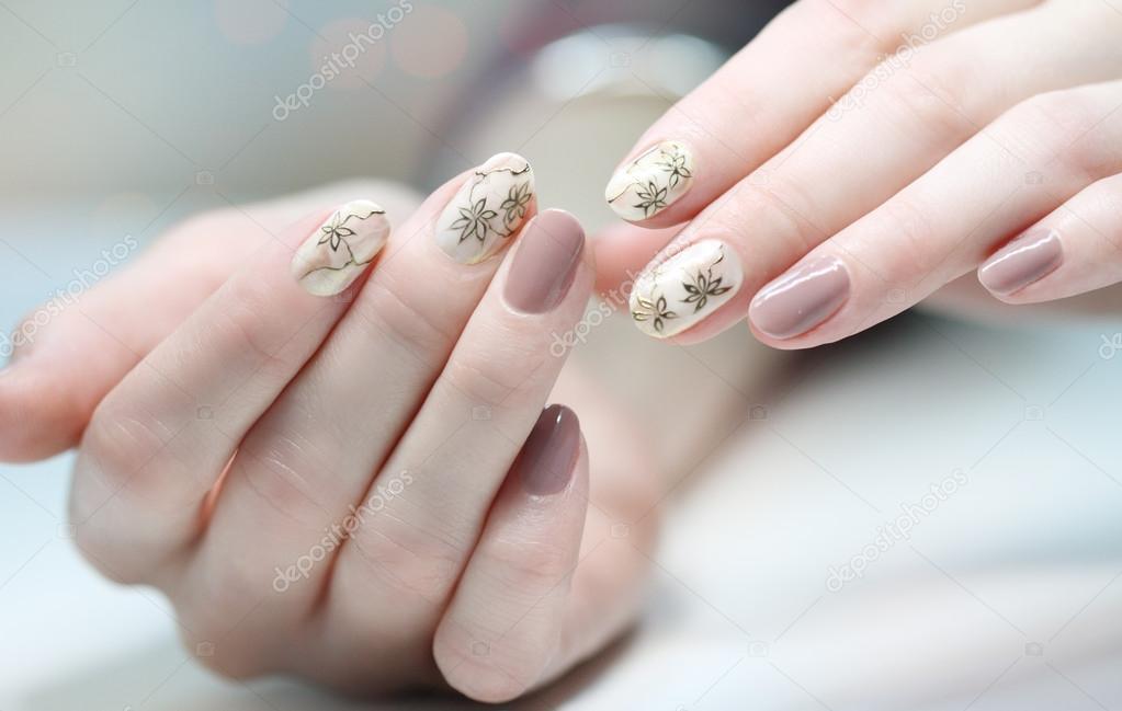 Nagel Ontwerp Manicure Nagel Verf Mooie Vrouwelijke Hand Met