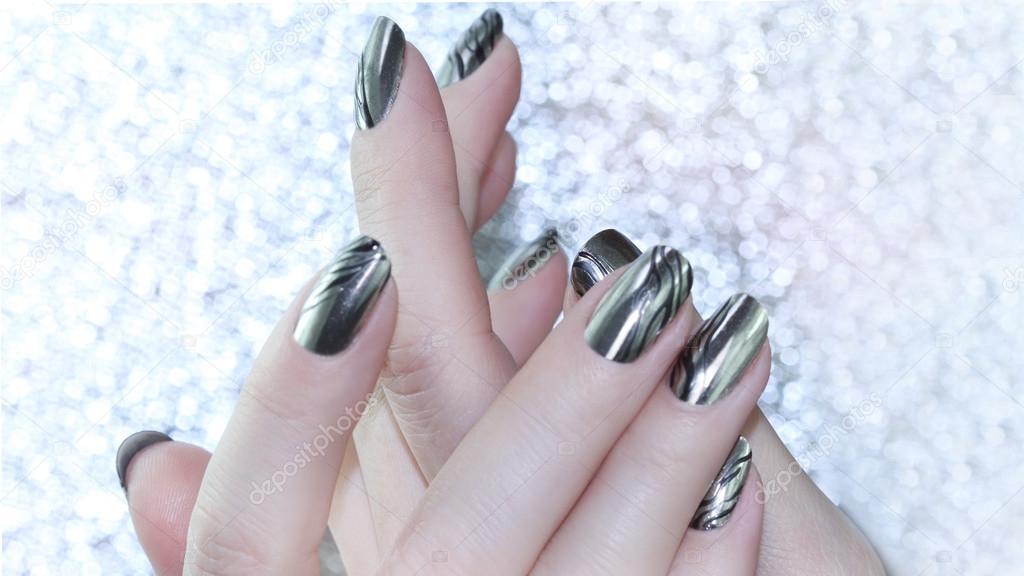 Diseño de uñas metálicas — Fotos de Stock © elena1110 #121090346