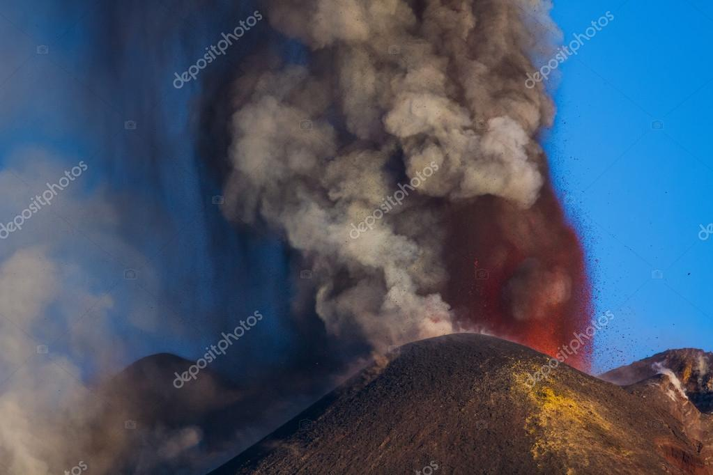 Etna volcano eruption