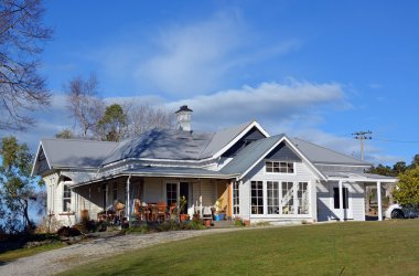 New Zealand Traditional Wooden Farm House