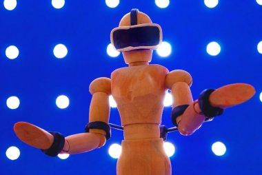 VR wooden dummy.