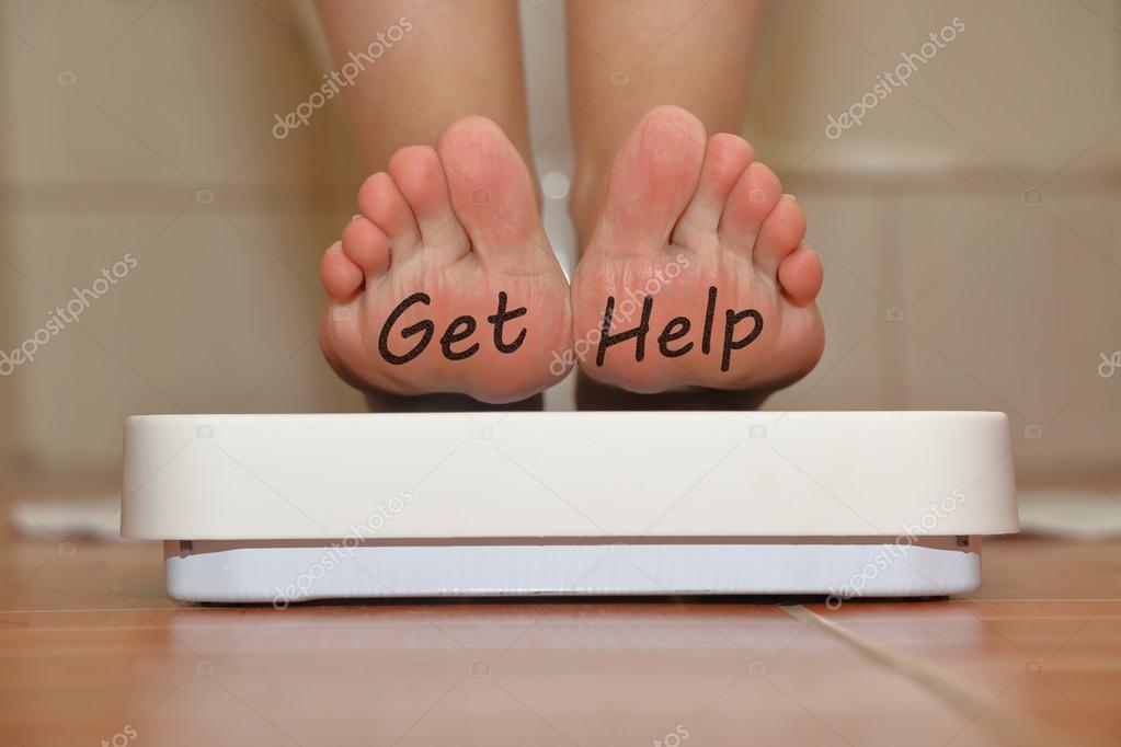 https://st2.depositphotos.com/1028911/6596/i/950/depositphotos_65965885-stockafbeelding-voeten-op-de-badkamer-schaal.jpg