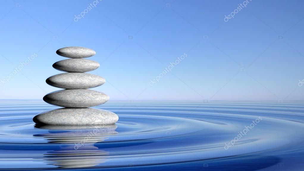 Pila de piedras zen desde grandes a peque as en agua con for Imagenes zen