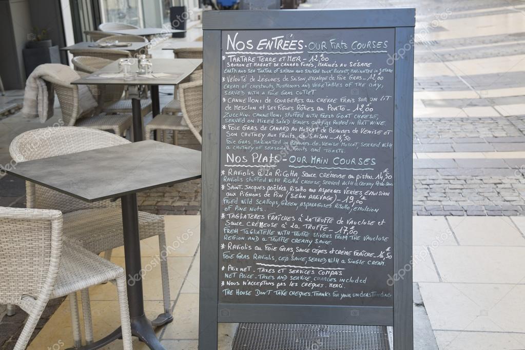 Restaurant im Menü auf Französisch und Englisch, Avignon — Stockfoto ...