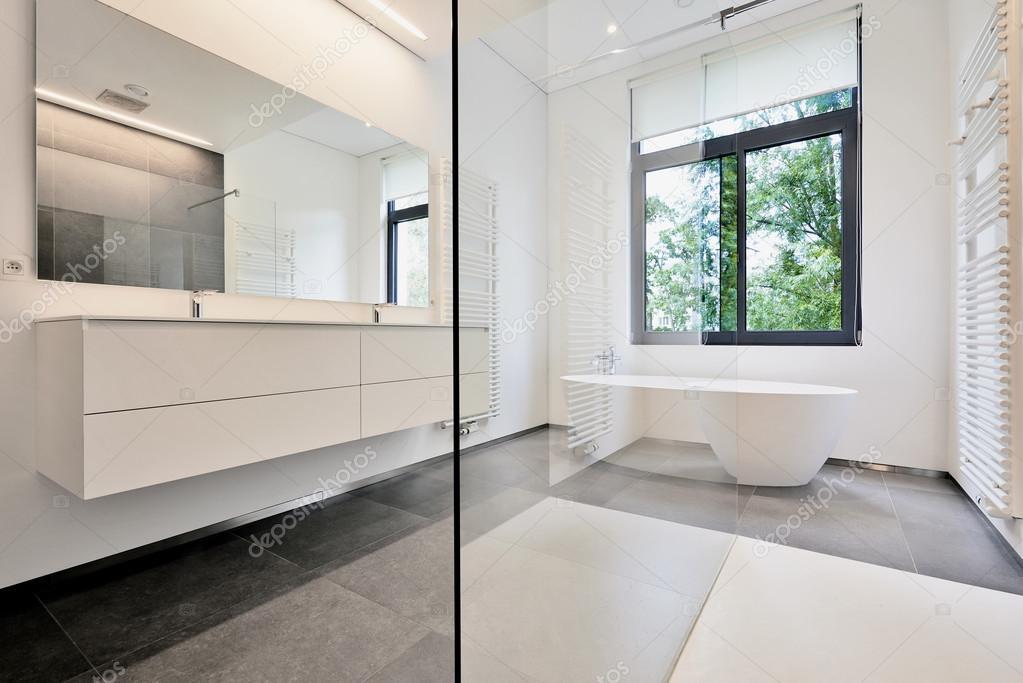 luxe moderne badkamer — Stockfoto © Bombaert #107296836