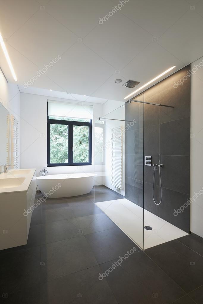 luxe moderne badkamer — Stockfoto © Bombaert #79268326