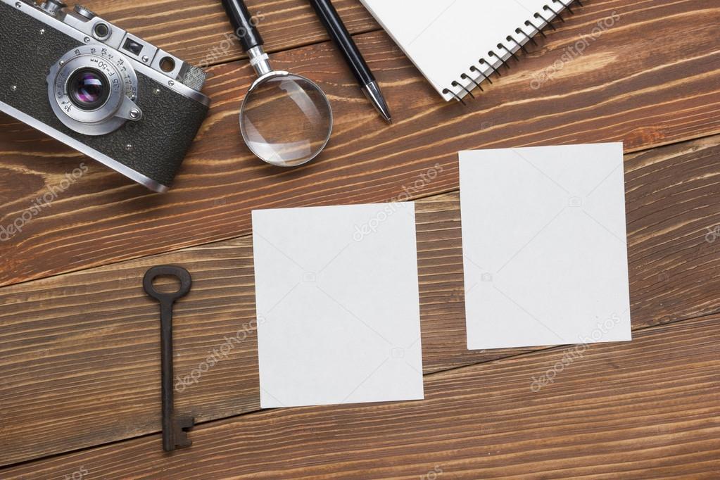 Houten Bureau Kantoor : Kantoor werkplek met met laptop en koffie op houten bureau tafel