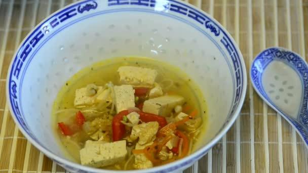 Čínská polévka s tofu