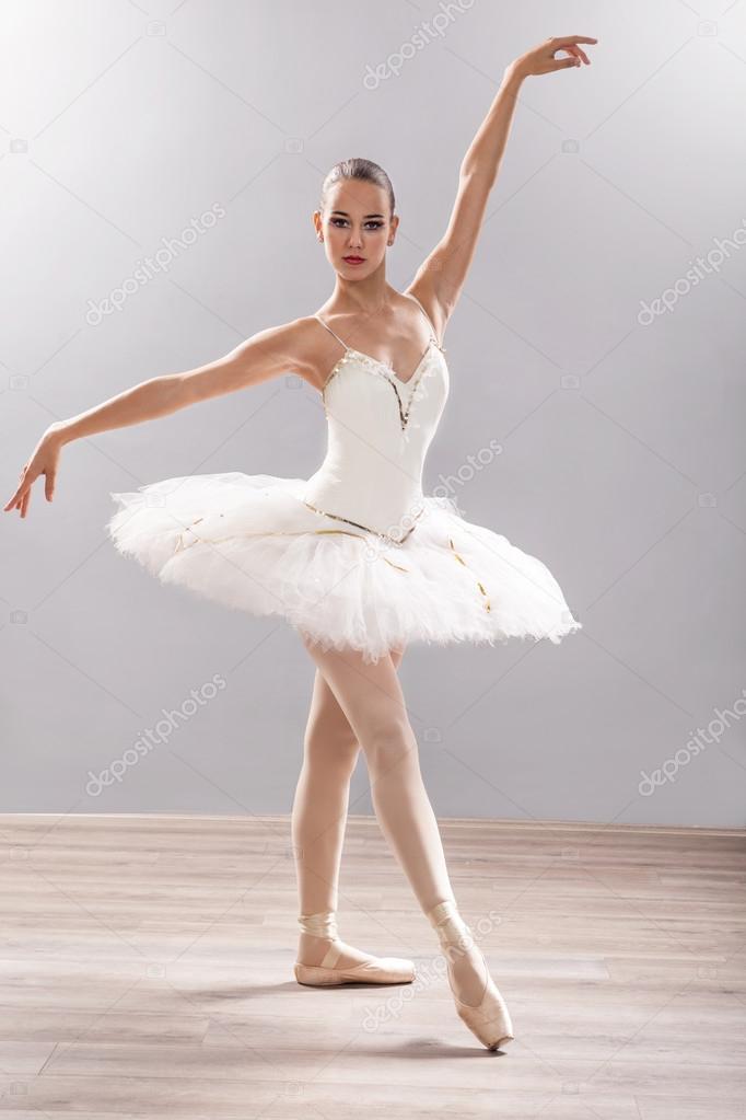 Ballerina di danza classica posa di balletto foto stock for Immagini di ballerine di danza moderna