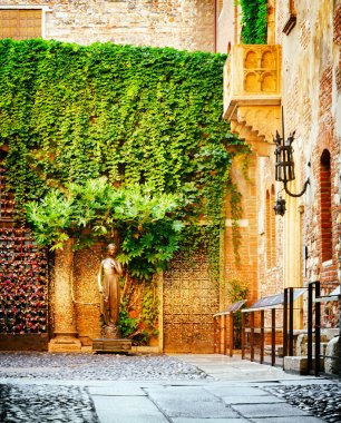 Courtyard of Casa di Giulietta (House of Juliet), Verona, Italy