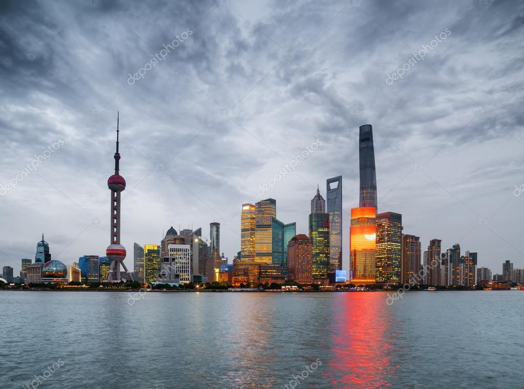 Evening View Of Pudong Skyline Lujiazui Shanghai China Stock