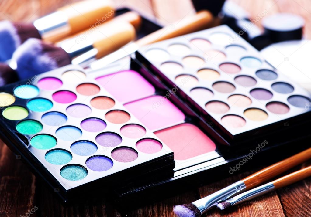 Imagenes De Maquillaje Para Descargar: Varios Productos De Maquillaje
