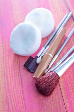 Brushes for cosmetic