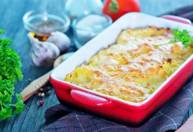 Potato gratin with cheese