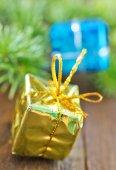 Weihnachtsgeschenke für eine Tabelle