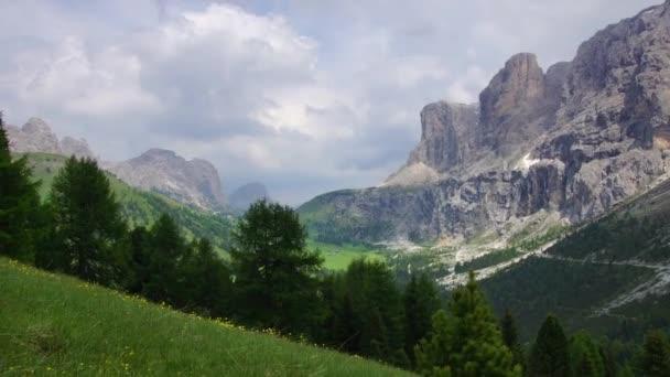 Alpská krajina v Dolomitech