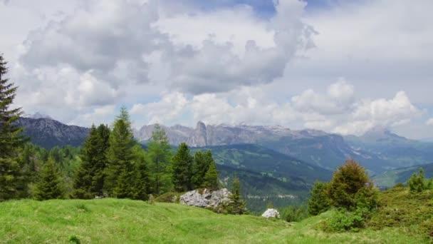 krásná alpská krajina