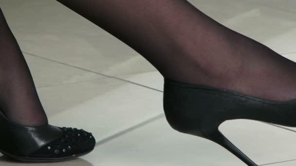 Nohy mladá krásná žena v Retro stylu
