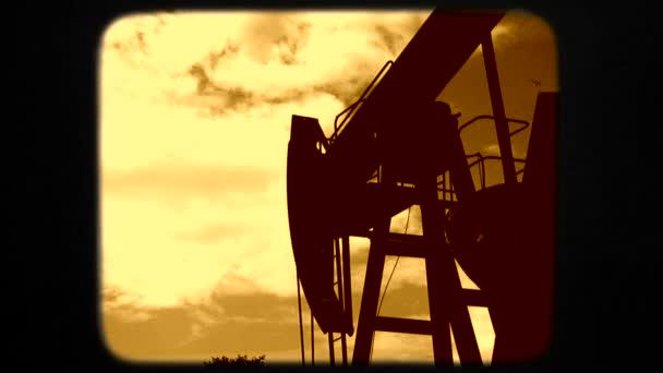 Ocelové ropné těžební stroj kopání zároveň produkující zemní plyn