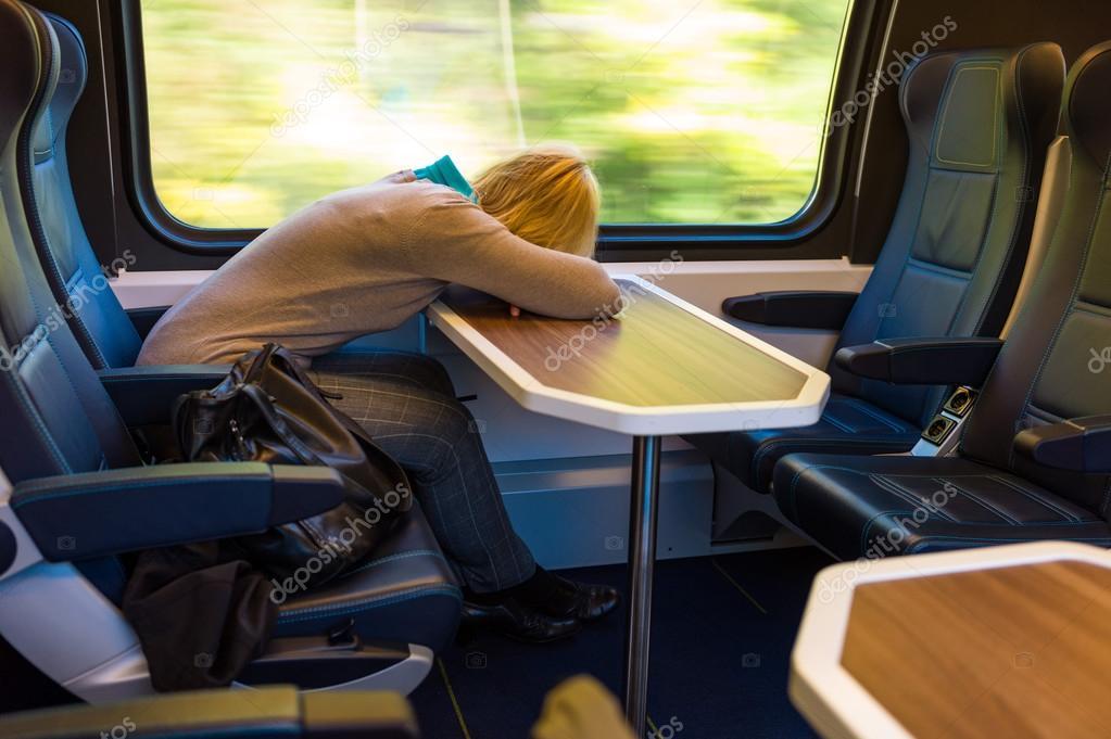 Фотки в поезде спящих фото 227-999