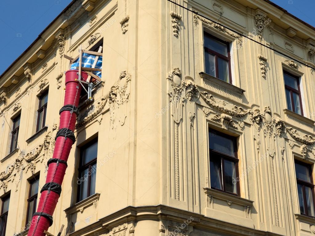 Renovatie van een oud huis u stockfoto ginasanders