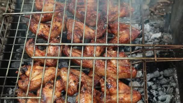 főzés csirke szárnyak barbecue a természet