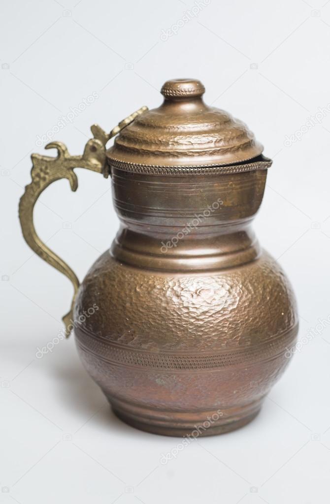 Türkische Traditionelles Getränk Ayran In Kupfer Cup Stockfoto