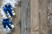 vánoční dárky a sníh