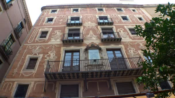 Altes, schönes Haus in Barcelona. Spanien. Video in 4K, UHD