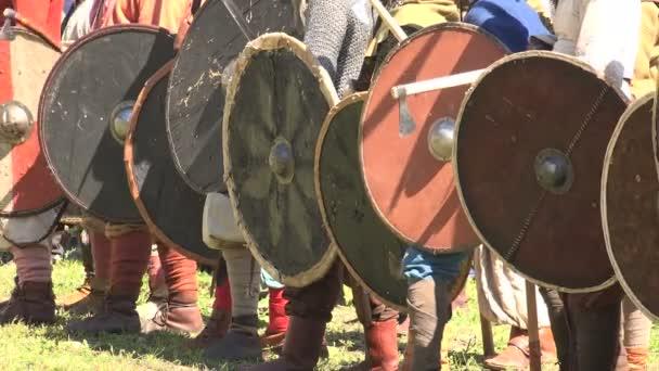 Bitva. Boj Vikingů. Středověcí válečníci. Video ve 4K, UHD