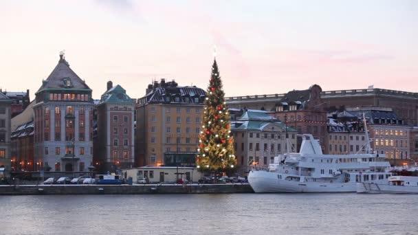 Zobrazit na Stockholm od řeky
