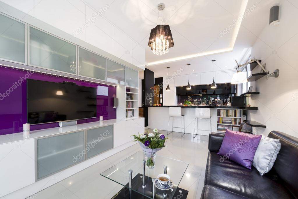 Moderne woonkamer met open keuken — Stockfoto © jacek_kadaj #55147393