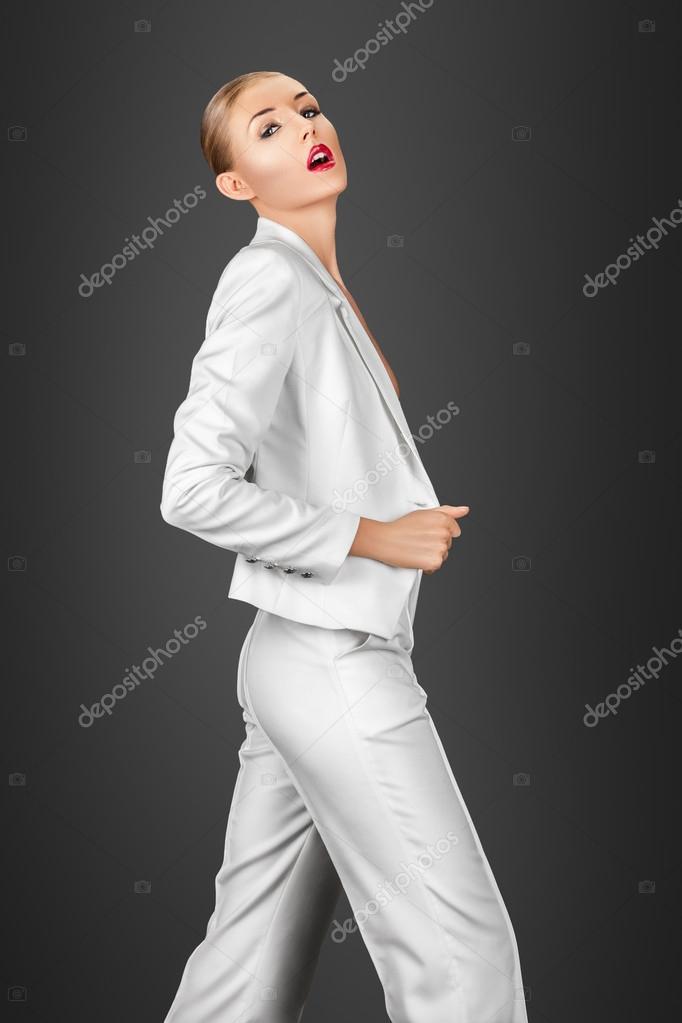 vit kostym kvinna