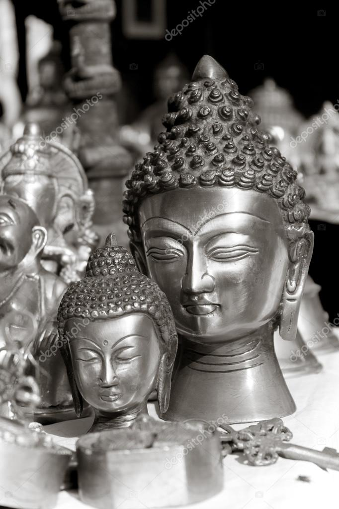 [depositphotos_69658123-stock-photo-lord-buddha-metal-statue.jpg]