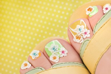 Summer flower pedicure.