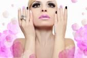 Photo Fashion makeup and manicure .
