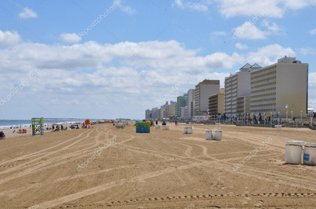 Virginia Beach Boardwalk – Stock Editorial Photo © sainaniritu #84177322
