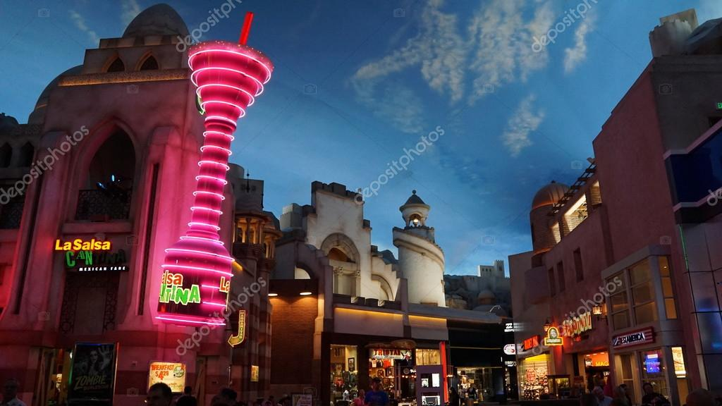 e67ad993f865e Miracle Mile Shops at Planet Hollywood Resort and Casino in Las Vegas —  Stock Photo