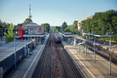 Blick von oben auf den Bahnhof in Mammmingen.