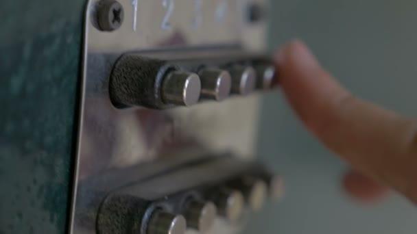 zamykací kód na nastavit tlačítka dveře slow motion videa