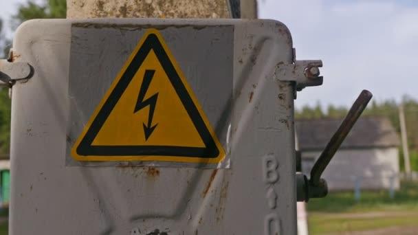 veszély jel villamosenergia transzformátor slow motion videót