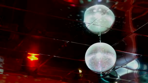 mirrored discoball disco ball light flashes