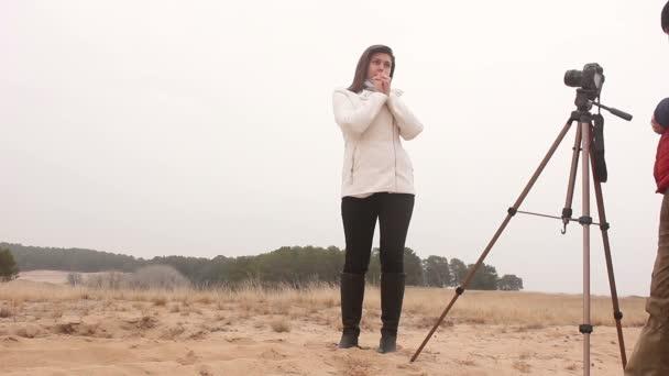 fotograf žena zákulisí dívka člověka fotografie vnější studené podzimní přírody